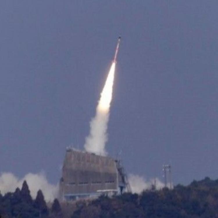 日本成功發射微型運載火箭SS-520