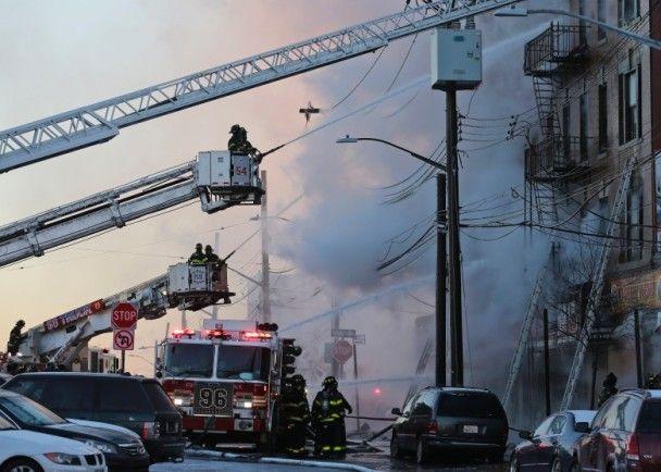 紐約住宅大樓起火23傷