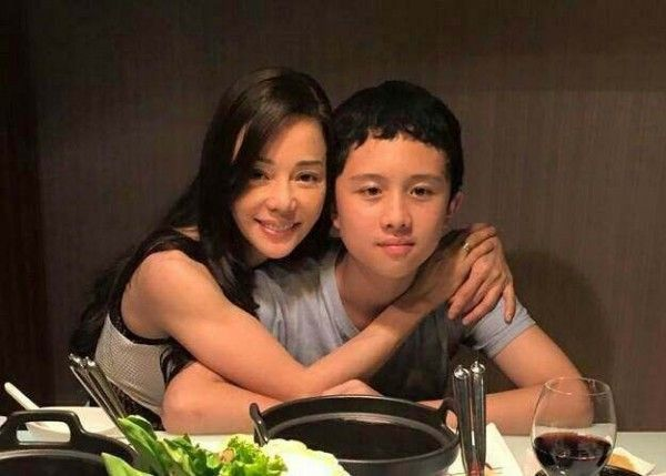 台灣藝人兒子被美國警方拘捕