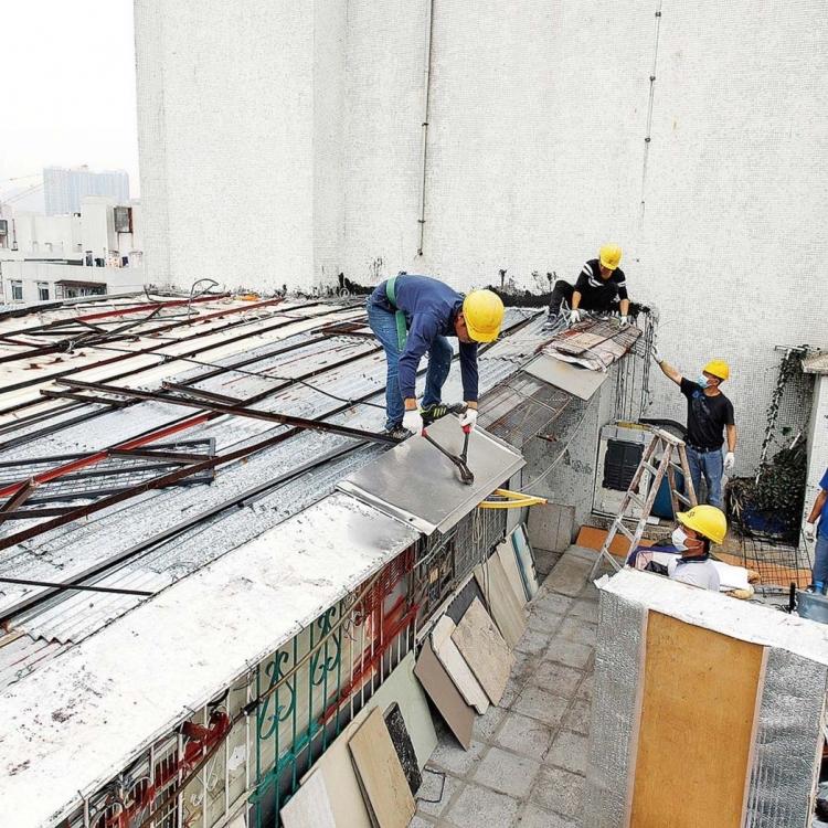 清拆兩高廈天台僭建物