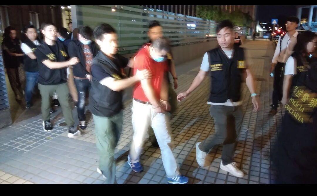 司警拘捕六名涉案男女
