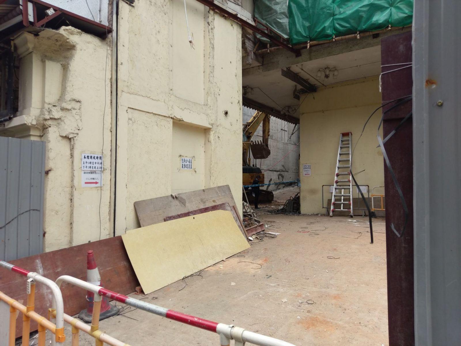 工人三樓墮下亡 簷蓬現大破洞