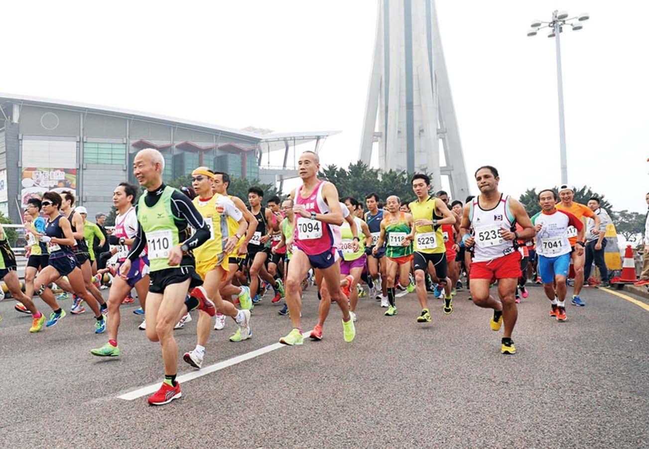 逾600跑手旅遊塔步步高陞