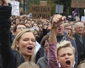數千民眾上街抗議