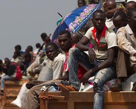 中非共和國貨車翻側近150人死傷