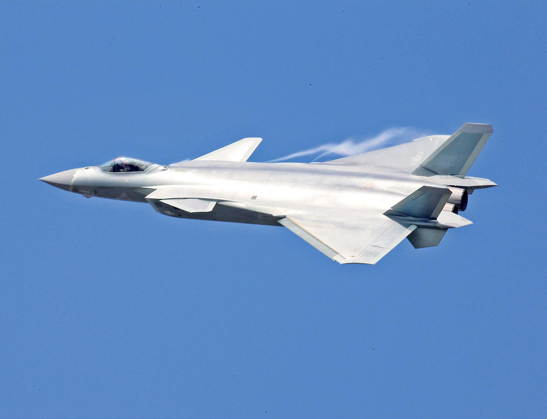 平可夫:難匹敵F-22