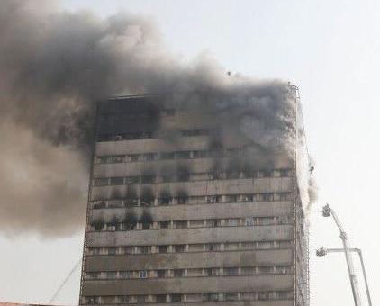 30名消防員罹難