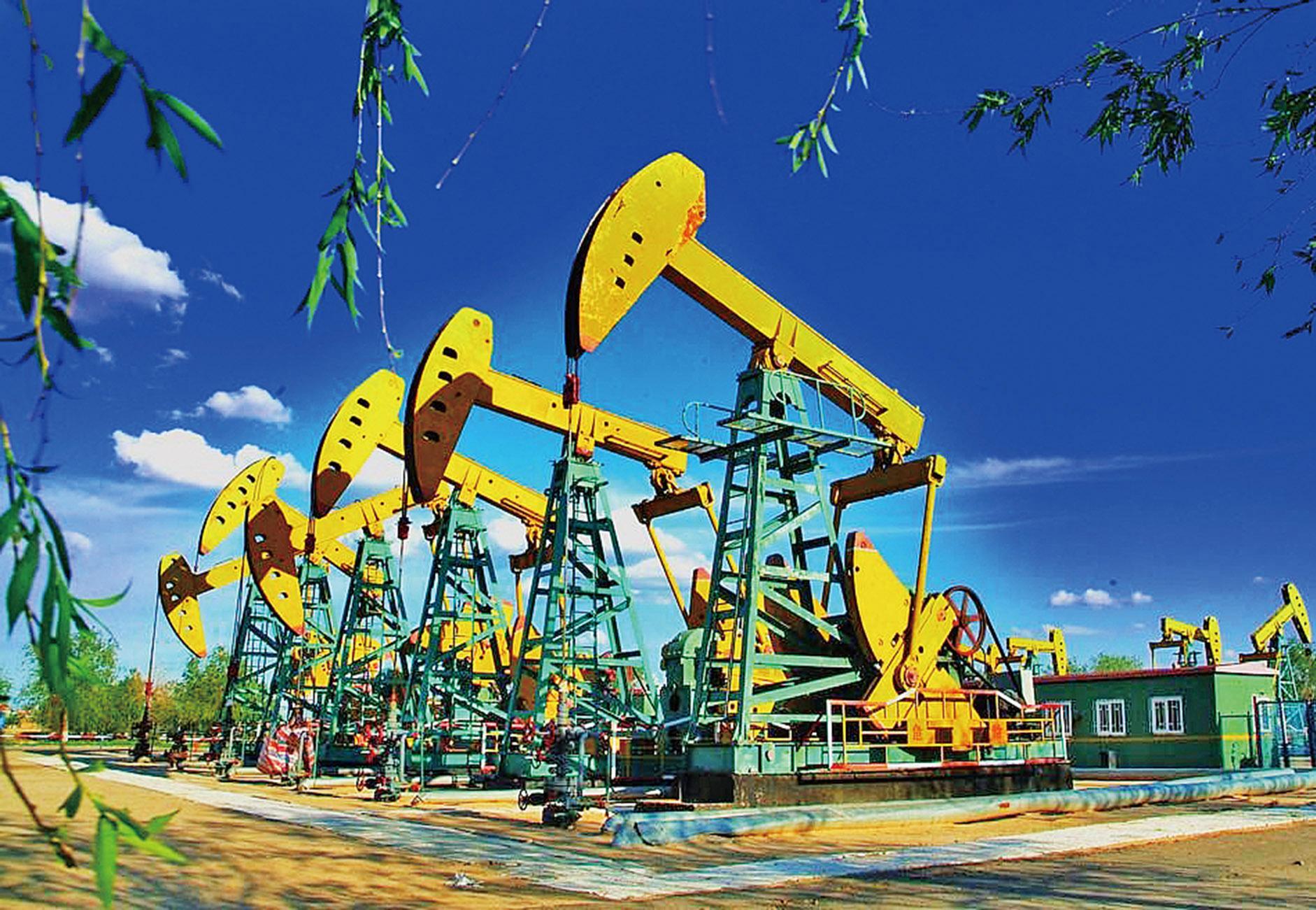 油價反彈3%