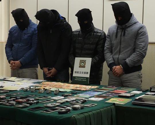 六警涉包庇黑社會被捕