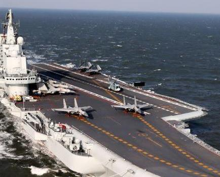 遼寧艦首度開放市民參觀