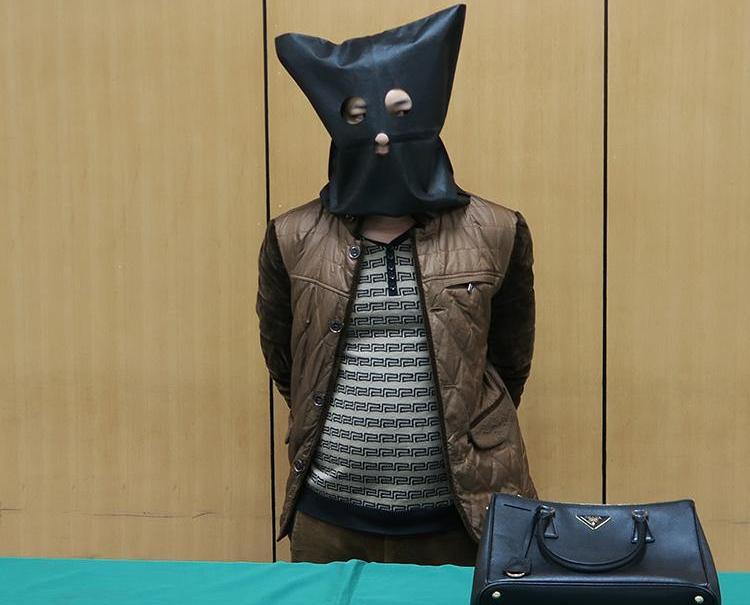 江西漢娛樂場搶手袋當場被拘