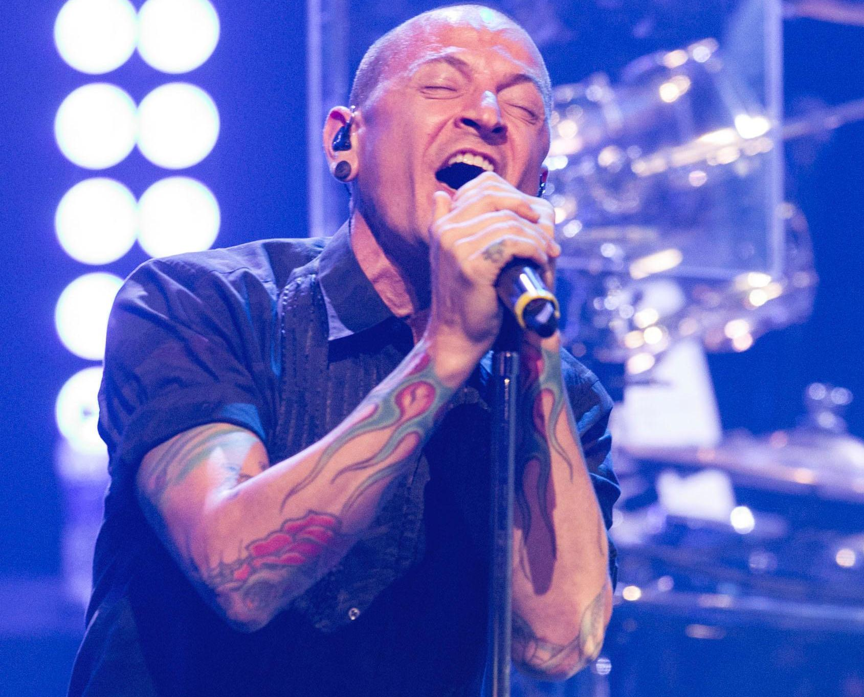 Linkin Park主音Chester上吊身亡