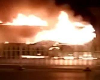 寧夏賀蘭縣公交車著火
