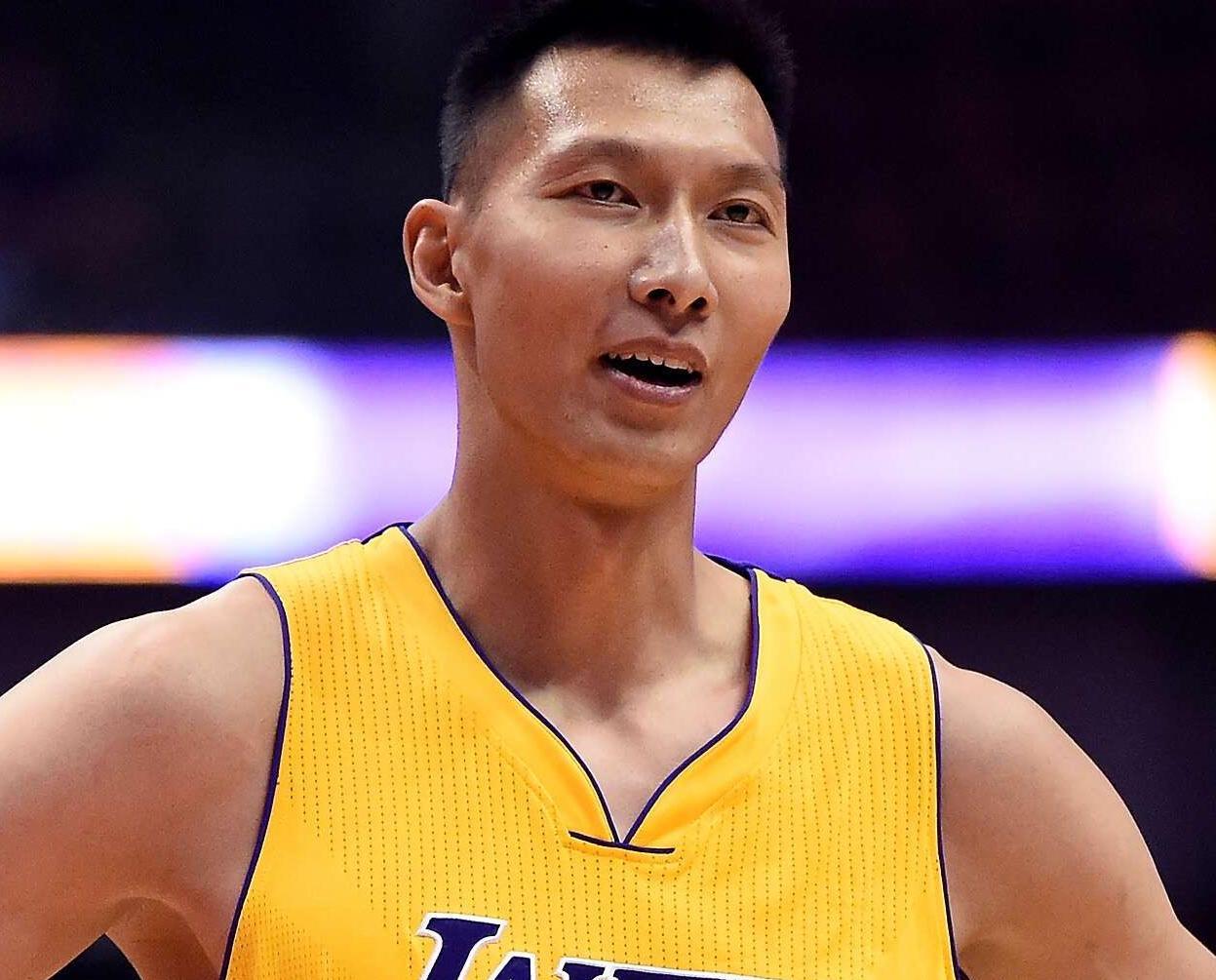 易建聯重返NBA首戰0分