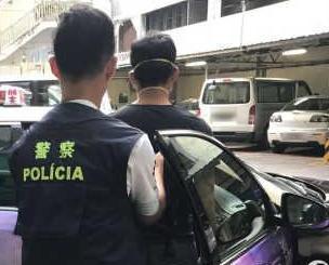 的哥涉勒索乘客千元贖手機被捕