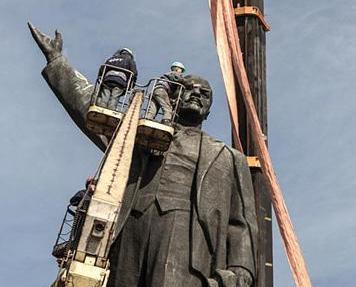 烏克蘭拆除境內所有列寧雕塑