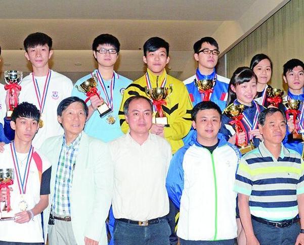 粵華中學掃多個獎項