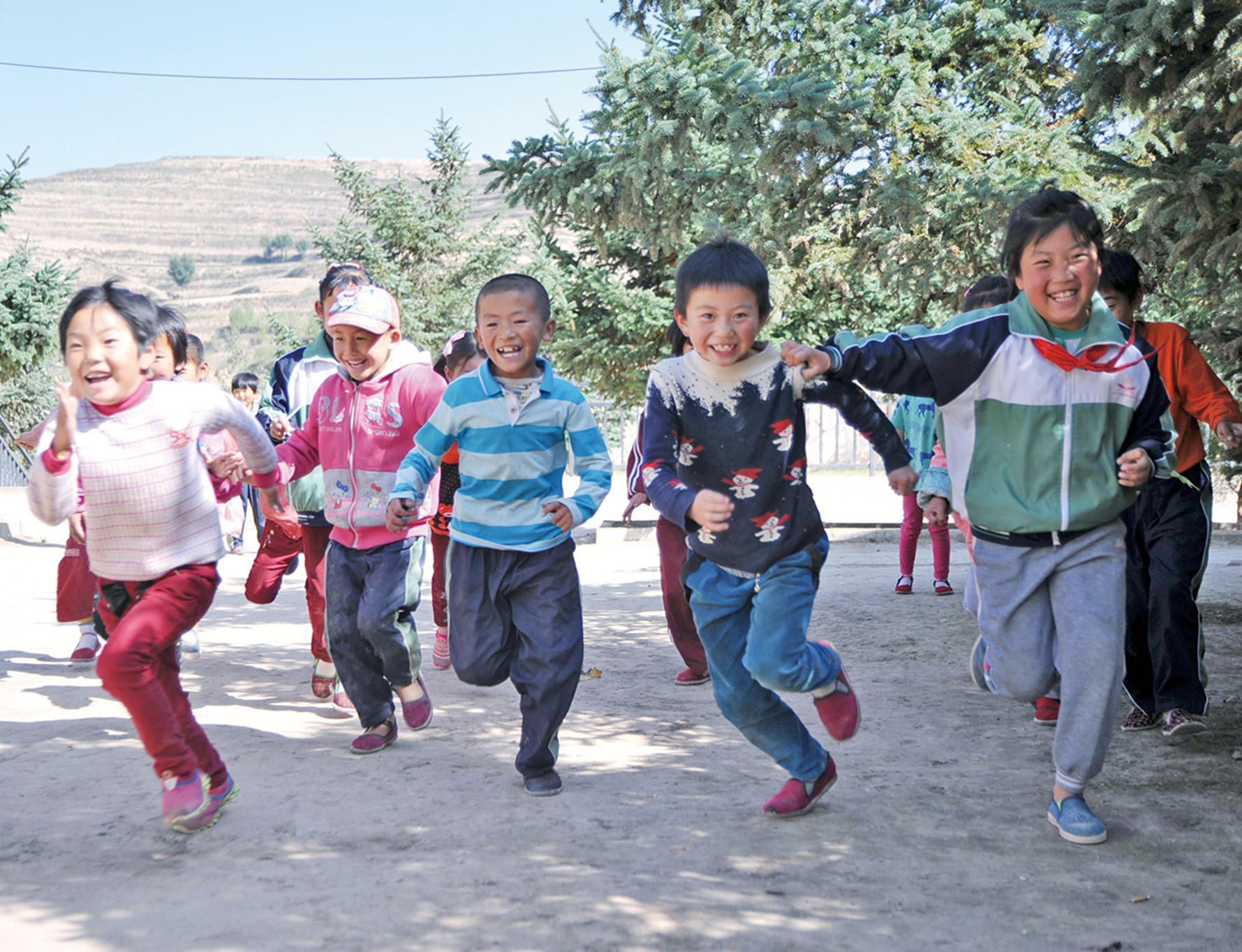 探望甘肅山區兒童