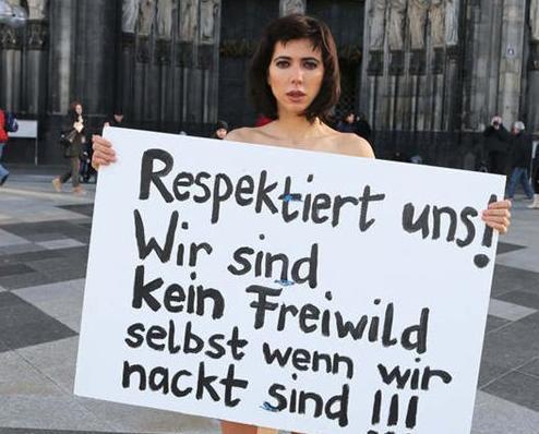 德女模全裸抗議跨年性侵案