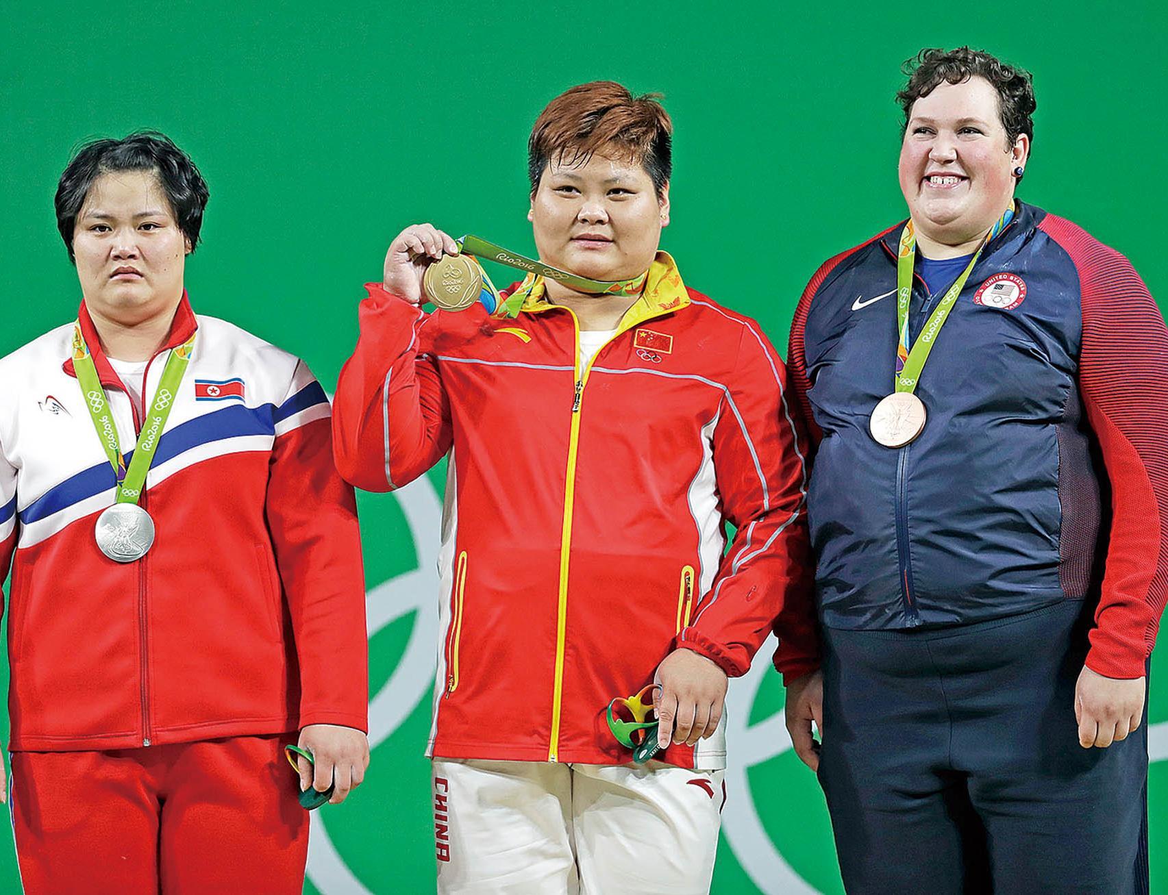 為中國舉出金牌