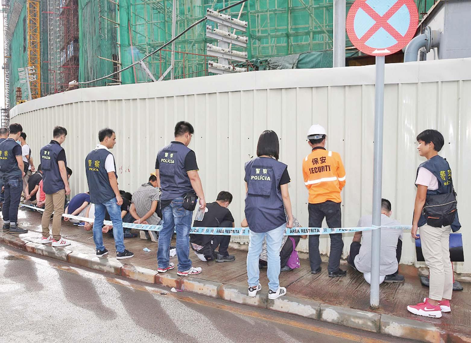全來自越南三偷渡入境