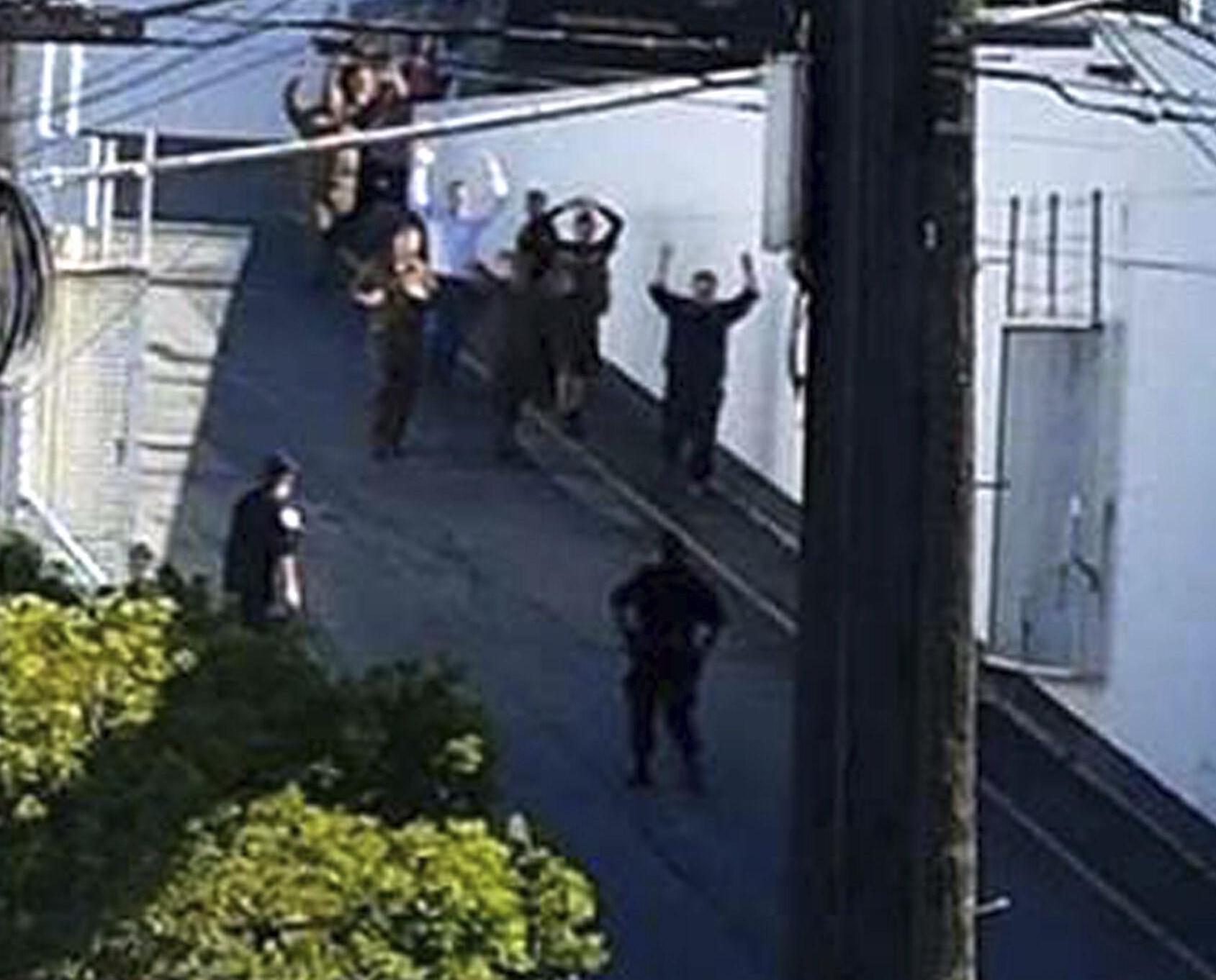 槍手襲擊同事後自殺