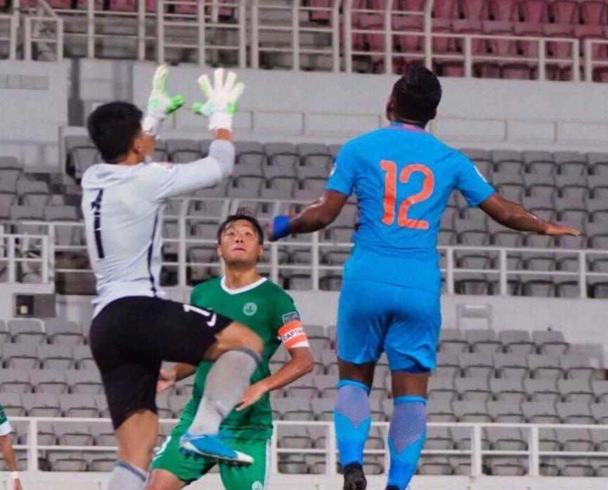 澳門力戰兩球負印度