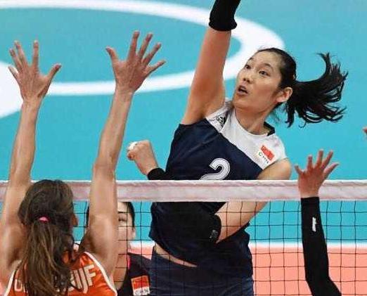 中國女排首戰受挫荷蘭