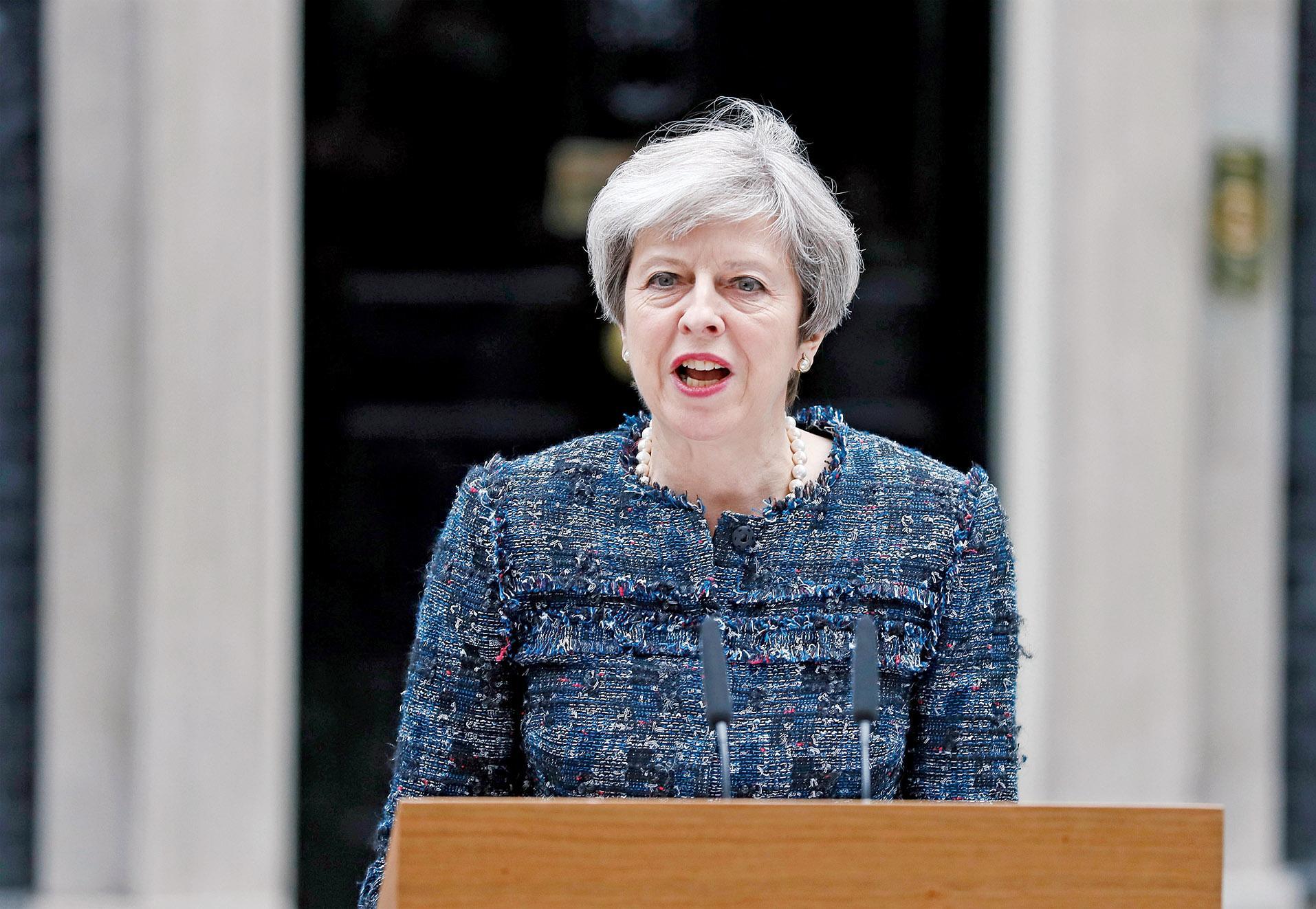 斥歐盟官員影響大選