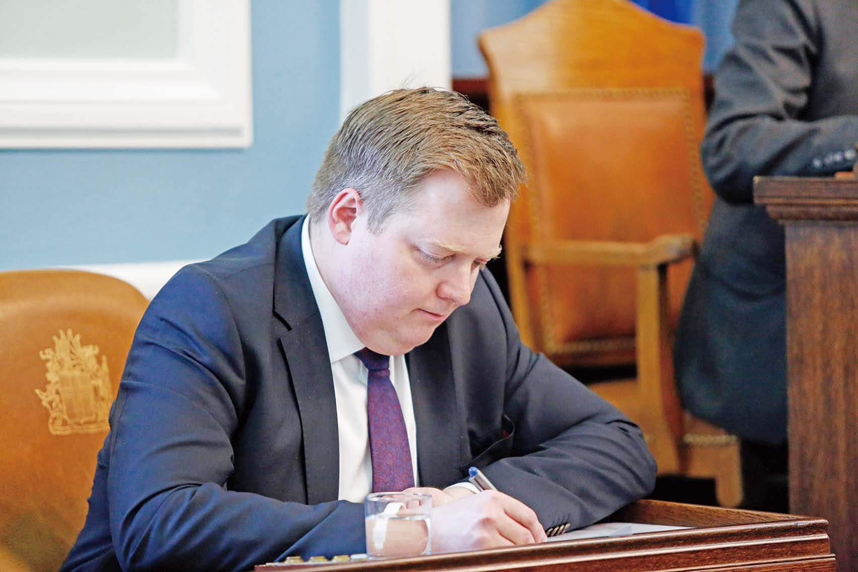冰島總理辭職留伏筆