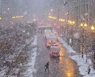 強烈暴風雪直撲美東