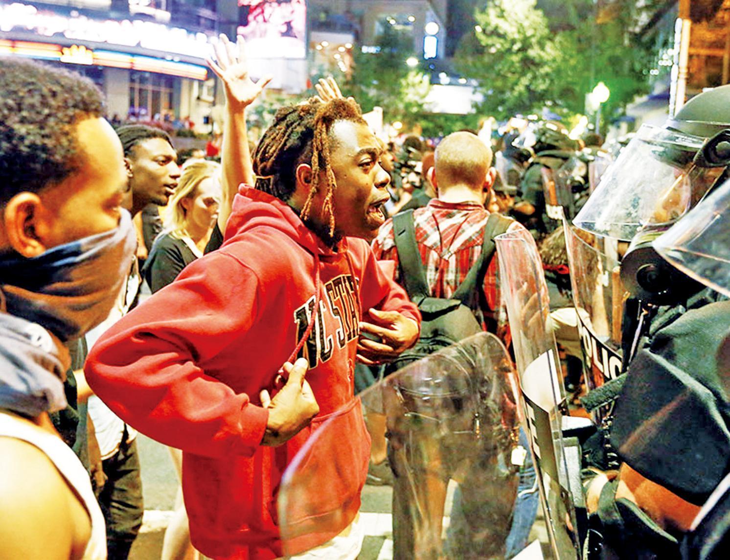 黑人爸遭射殺引示威