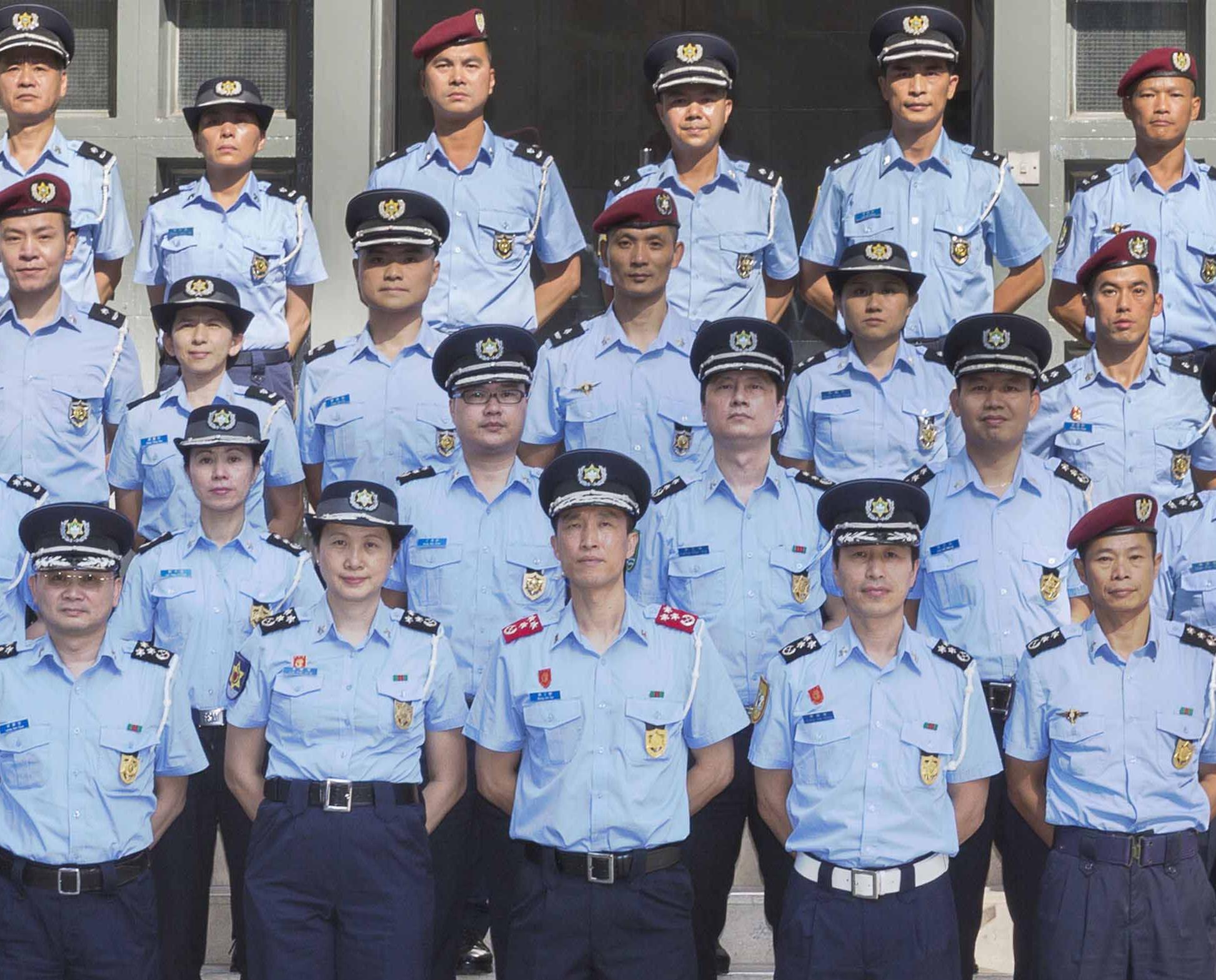 治安警及消防分別舉行晉升儀式