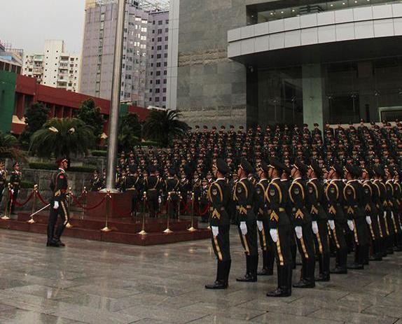 解放軍駐澳部隊舉行升旗儀式