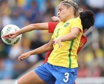 中國女足三球負巴西