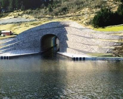 全球首條行船舶隧道
