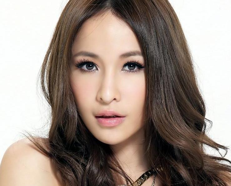 蕭亞軒同美籍新歡遊泰國