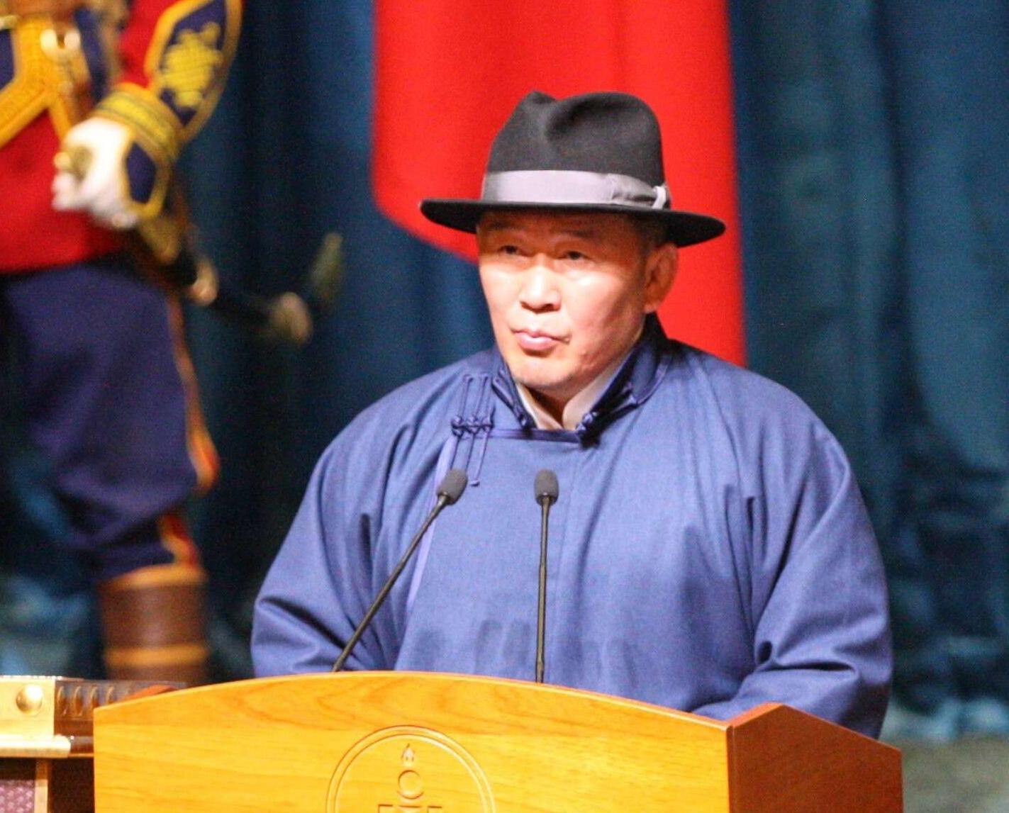 蒙古國新總統宣誓就職