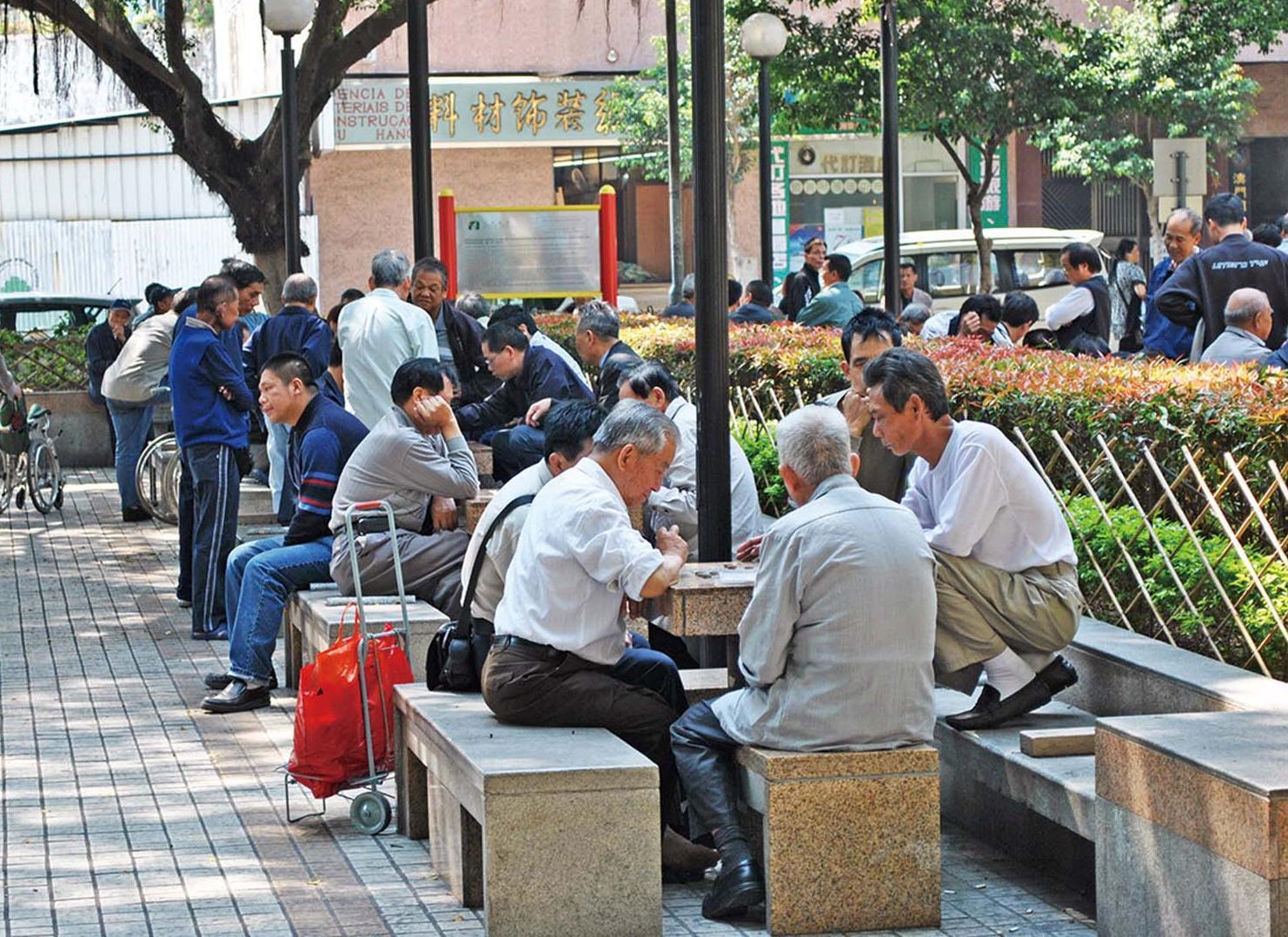 失業7,400人 失業率1.9%