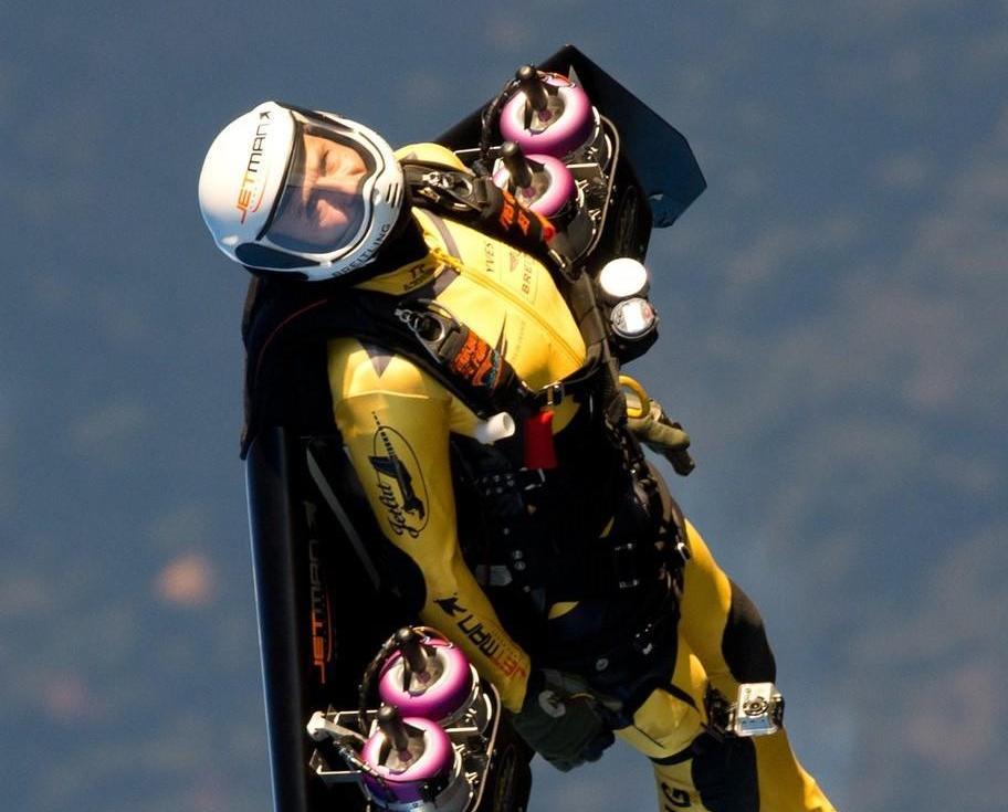 與法飛行隊空中共舞