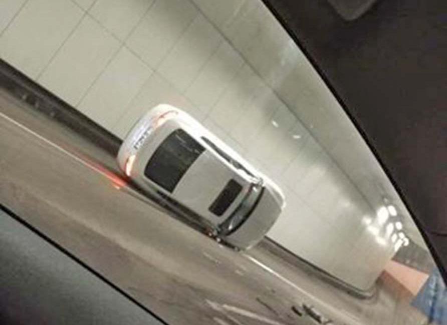 司機不顧而去 警尋車主協查