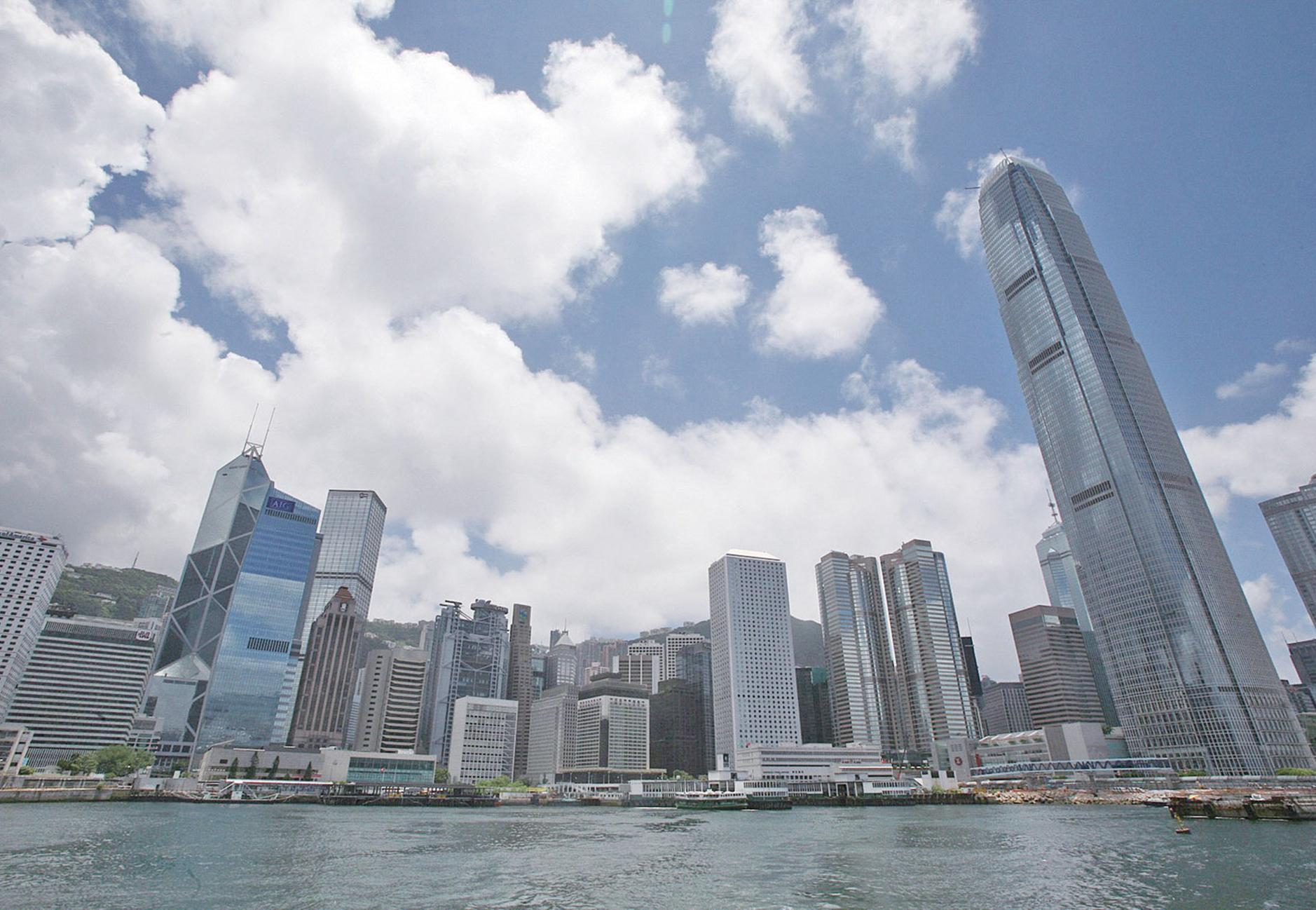 野村:港樓價於上半年見頂