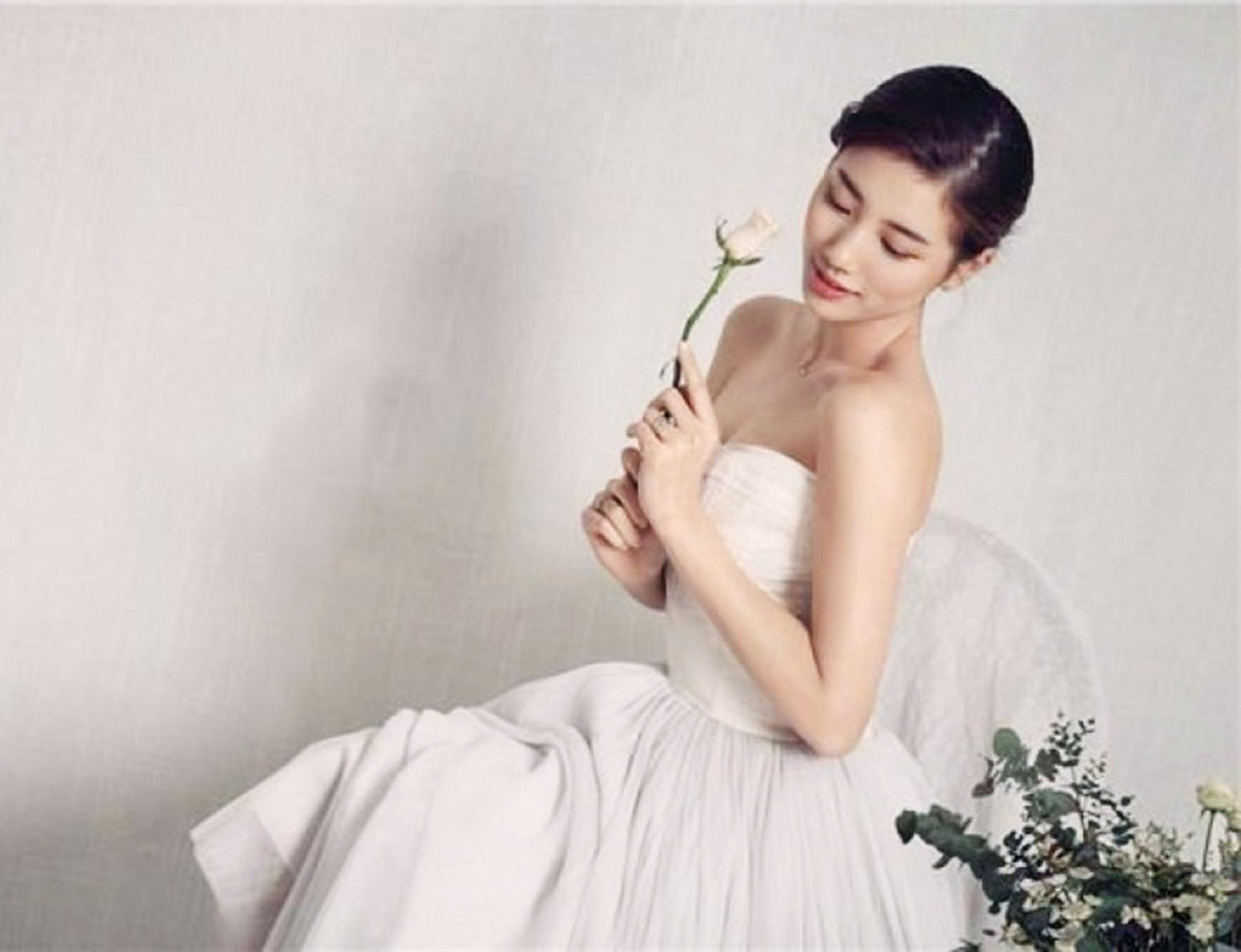 著婚紗拍廣告