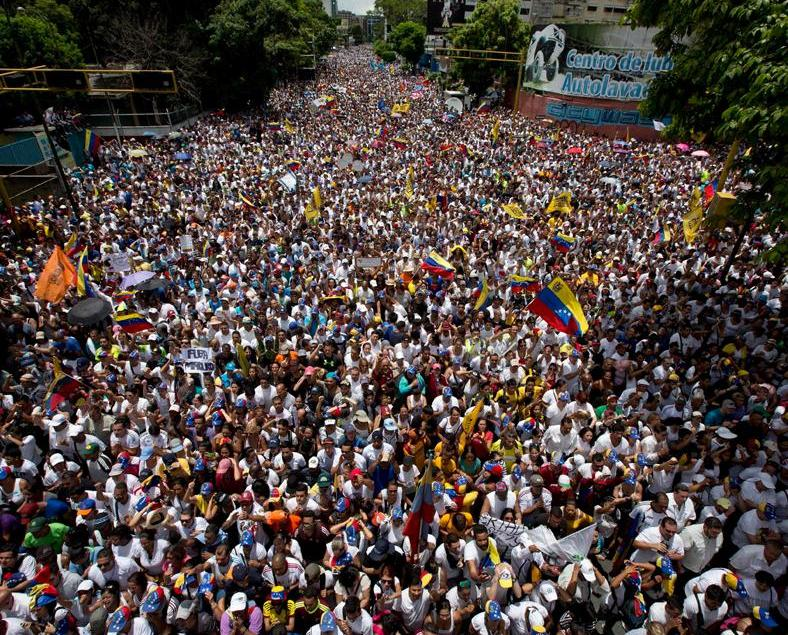 委內瑞拉逾百萬人上街反總統