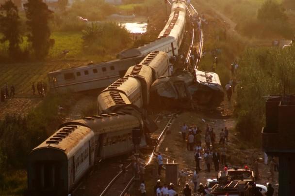 埃及火車相撞增至49死逾百傷