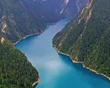 九寨溝地震過後 湖泊碧水仍在
