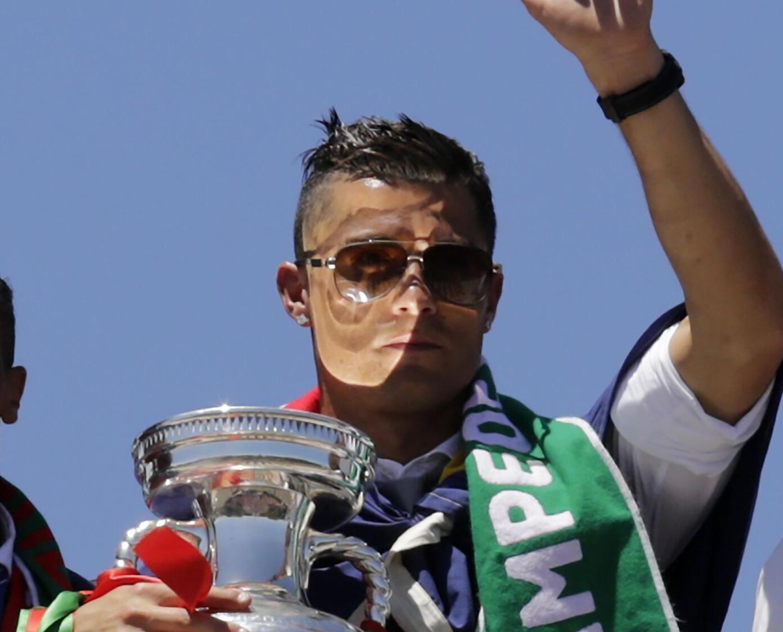 葡萄牙勝利巡遊舉國歡騰