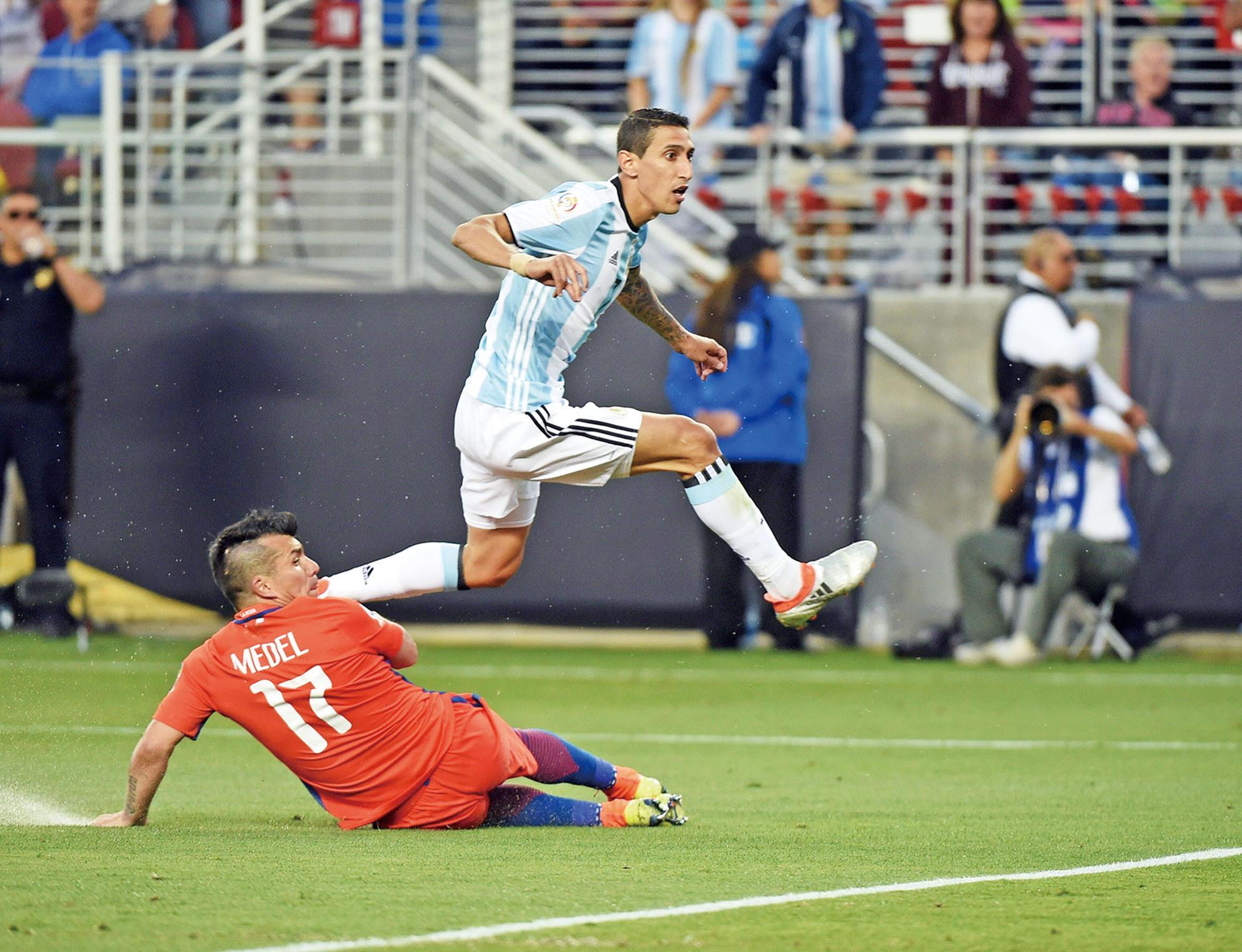 阿根廷挫智利開紅門