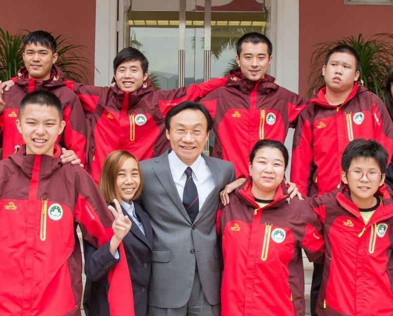 譚俊榮為特奧冬運代表「給力」