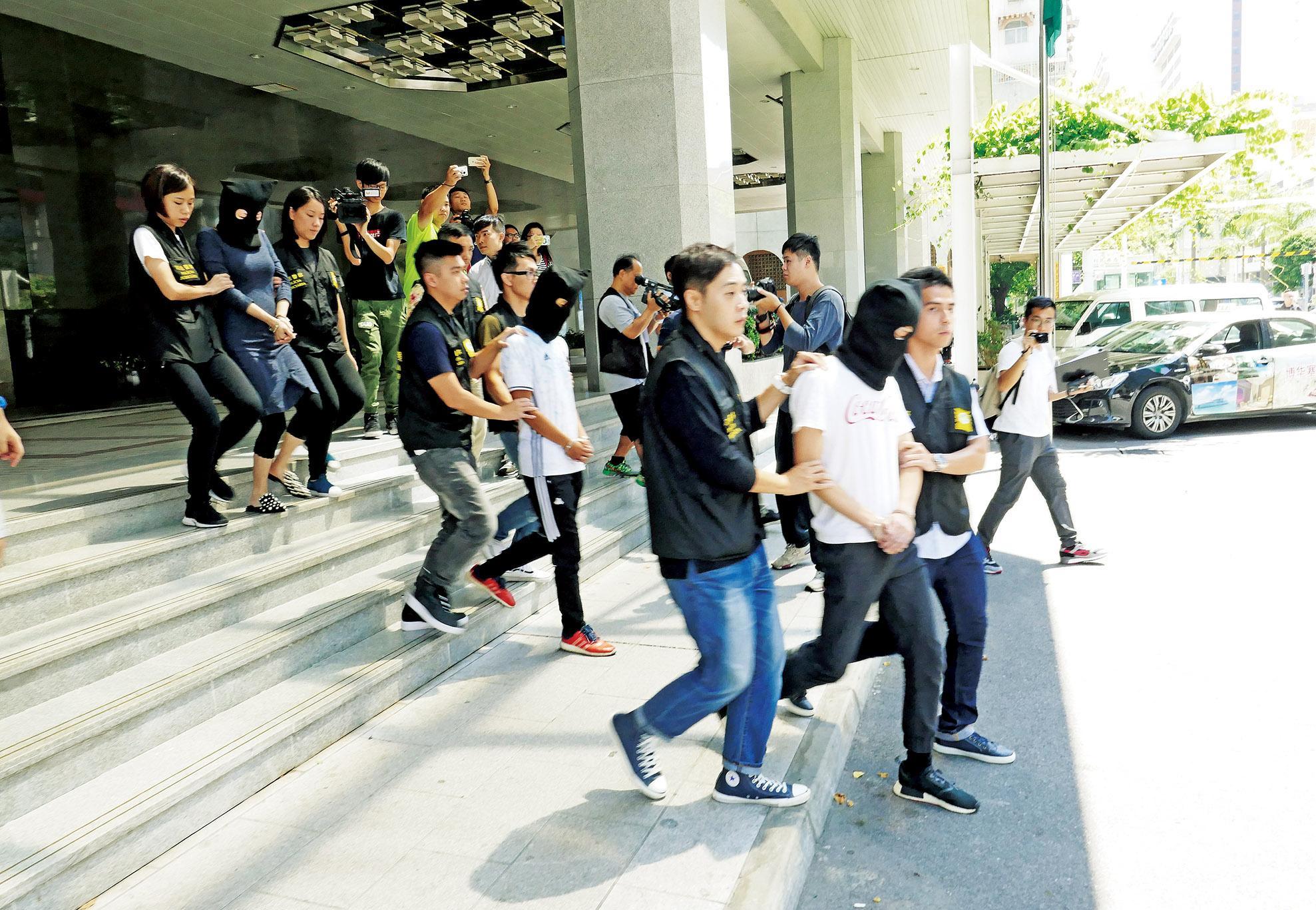 兩名治安警涉案被捕黃少澤:嚴懲不貸